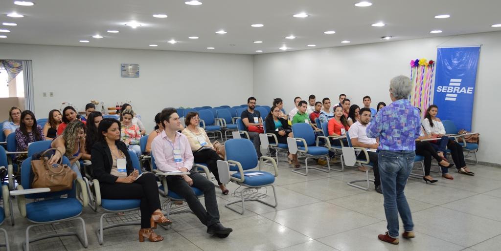 Alunos do Escritório Modelo de Contabilidade da FACISA participam de oficina no SEBRAE