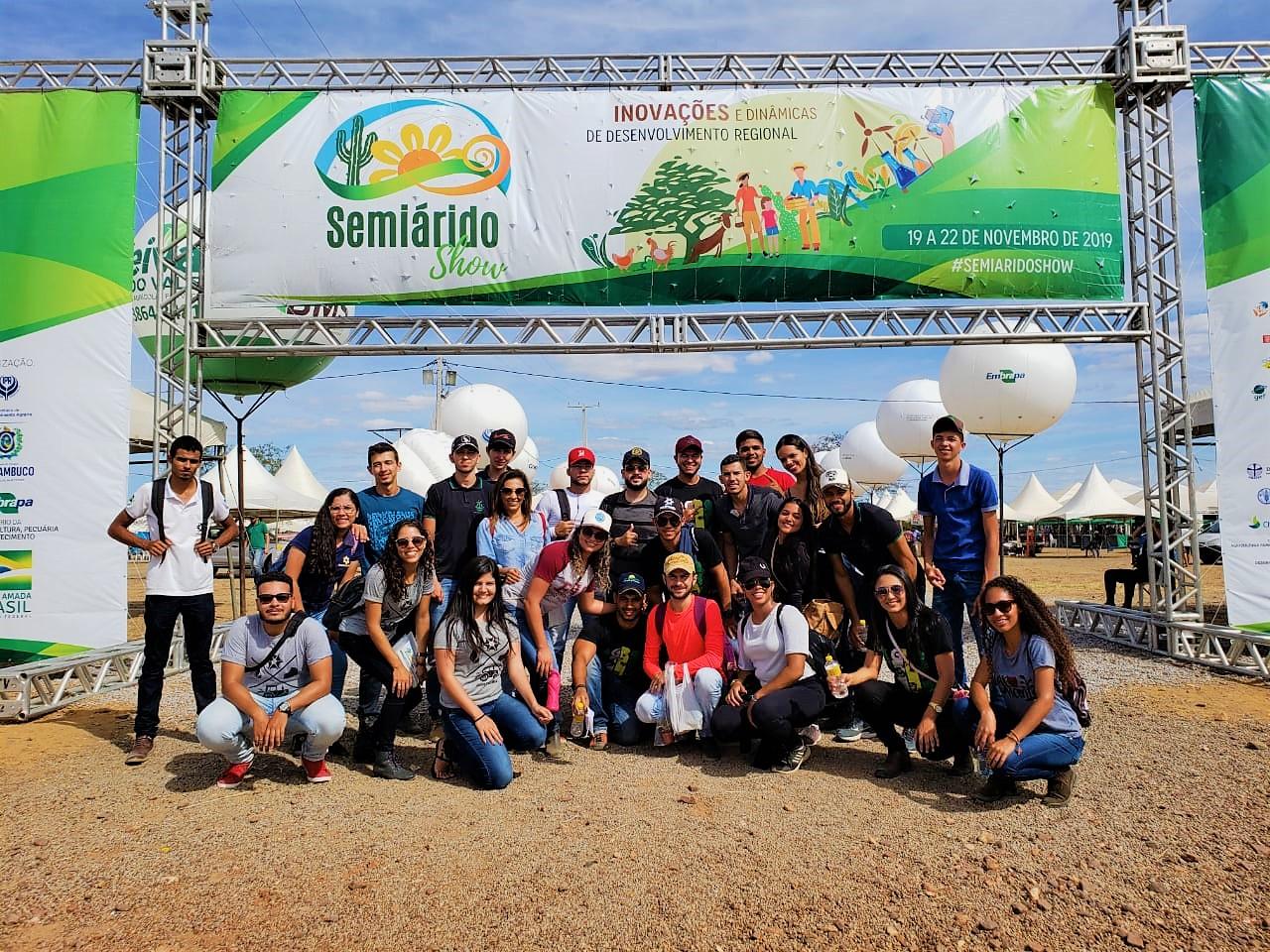 Cerca de 35 alunos do curso de Agronomia participaram da oitava edição do Semiárido Show em Petrolina